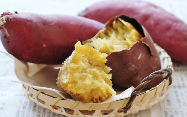 意外かも?!焼き芋のカロリーは高い?焼き芋でダイエットはできるの?