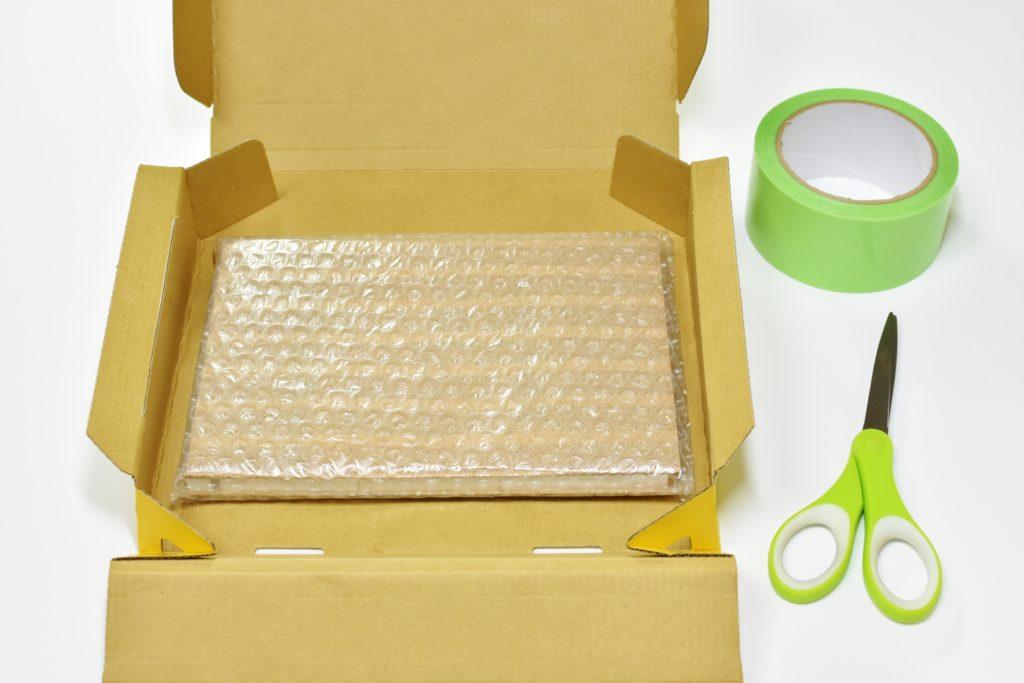 クリックポスト用の箱はダイソーや郵便局で買える?自作する時の作り方は?