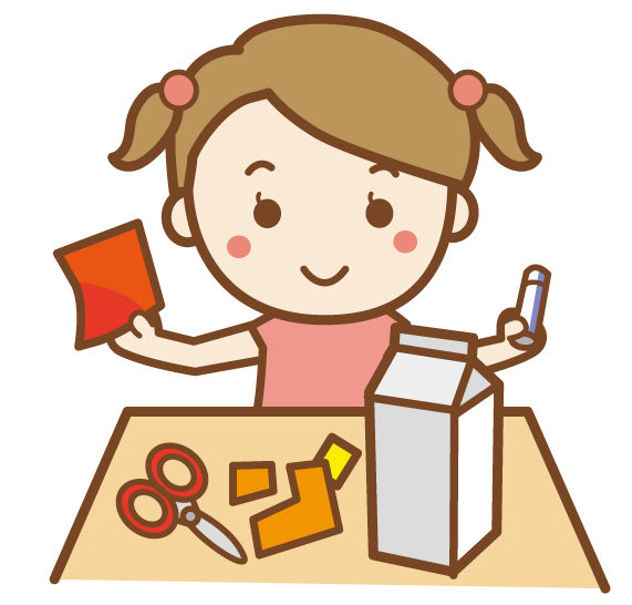 牛乳パックでおもちゃを作る女の子2